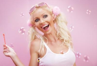 Skutečně jsou všechny blondýnky sebestředné nány?