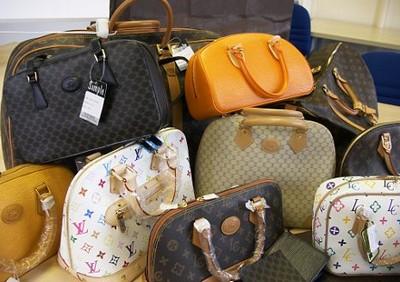 kabelky-znackove-padelky