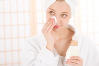 Dermatokosmetika je účinější než přípravky z drogerie