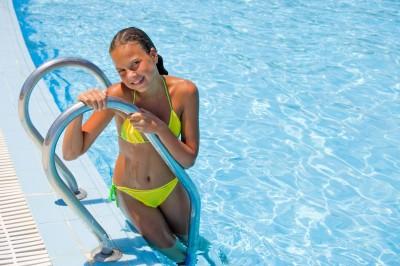 plavky-leto-bazen