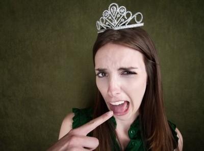 Některá slova znějí mnohem hůř z holčičích úst. Nespravedlnost?
