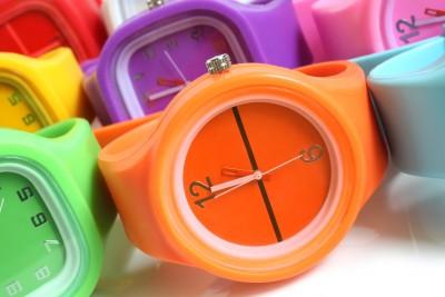 barevne_hodinky