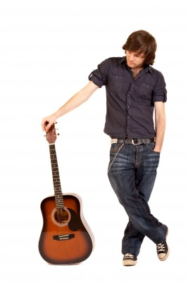 Umí hrát na kytaru? Super!