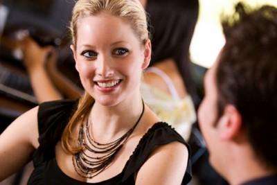 Online dating by měla dívka udělat první krok